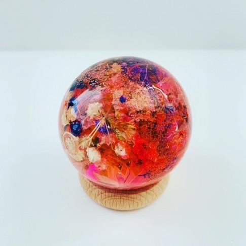 Maxi esfera roja con flores